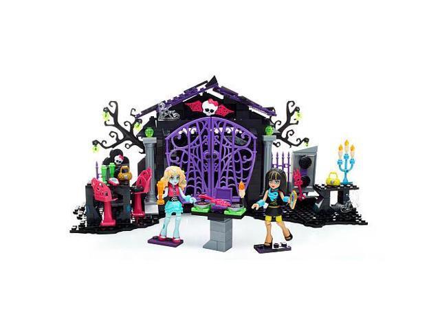 Mega Bloks Monster High Graveyard Garden Party Building Set