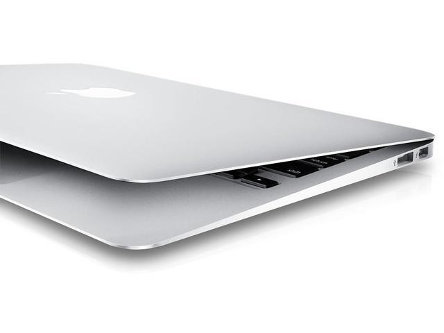 "Refurbished: Apple MacBook Air 13.3"" Intel Core i7-5650U 8 GB RAM 256 GB Flash SSD Intel HD 6000 macOS - MJVJ2LL/A-CTO (Early 2015)"